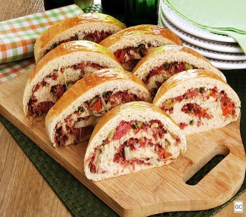 Pão recheado com carne-seca