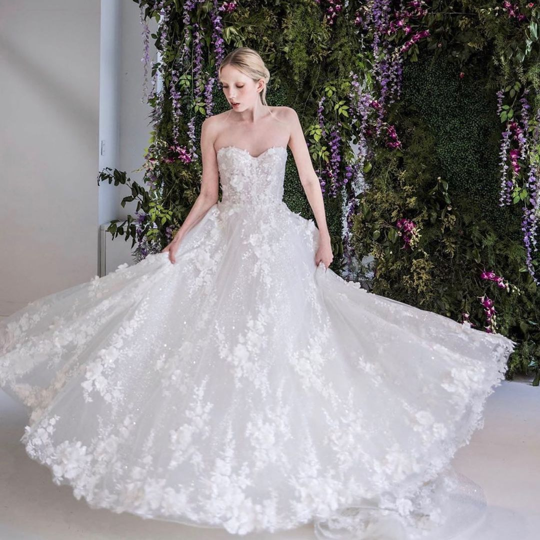 Perfis de vestidos de noiva no IG